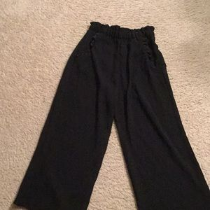 H&M ruffled elastic waist pants with pockets